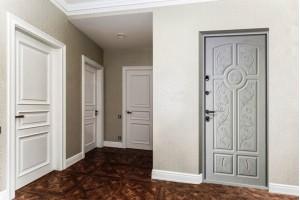 Белая межкомнатная дверь в интерьере